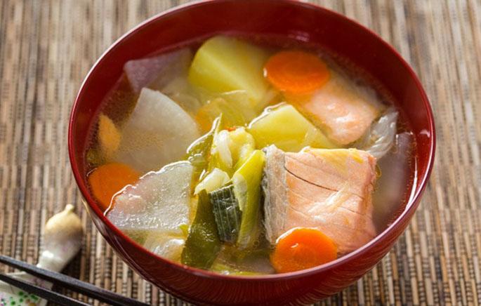 Canh súp khoai tây cá hồi