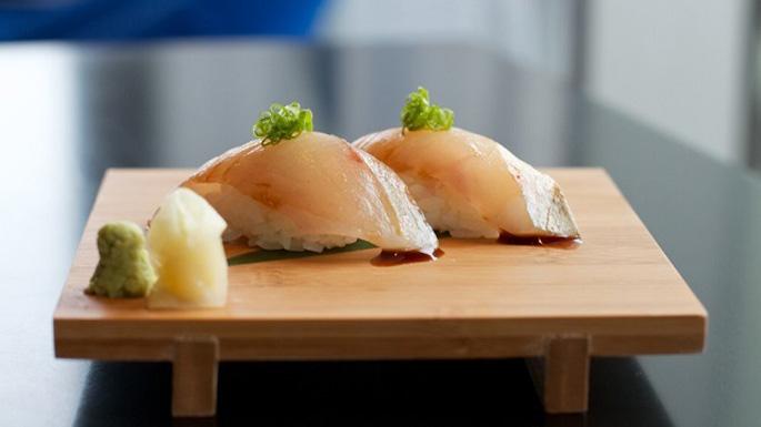 dinh dưỡng từ Kampachi Sashimi